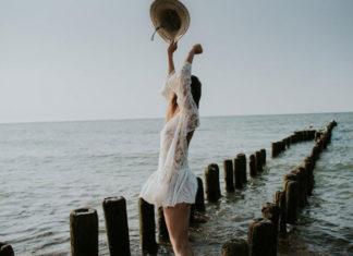 Romantyczne suknie ślubne dla kobiet z małym biustem